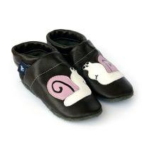 Erste Schuhe mit Schnecke